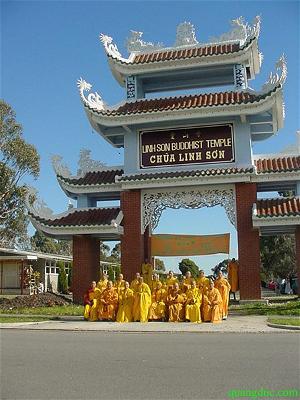 Chua Linh Son Melbourne (7)