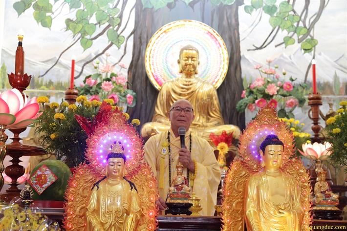 Hanh Huong thap Tu _vieng TV Quang Duc_Mung 9 Tet Dinh Dau 2017 (208)