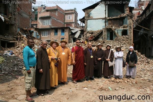 Uy Lao Nan Nhan dong dat Nepal ngay 01 (117)