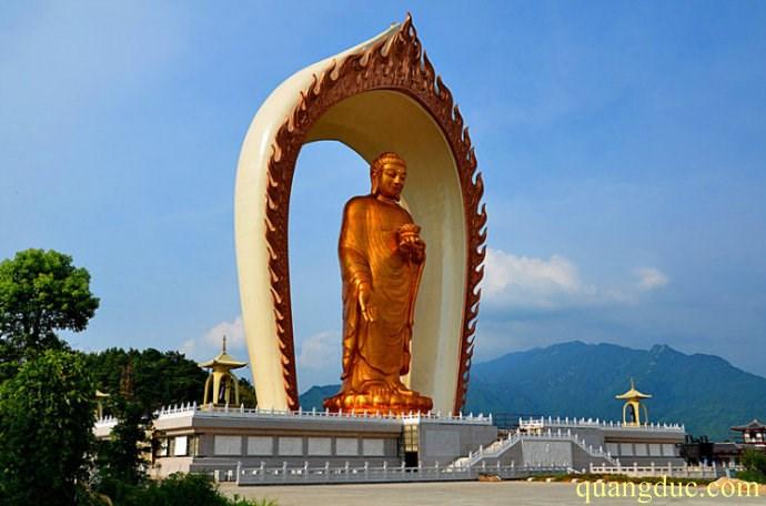 Tuong Di Da cao 48 met (6)
