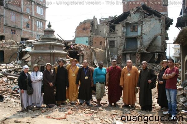 Uy Lao Nan Nhan dong dat Nepal ngay 01 (123)