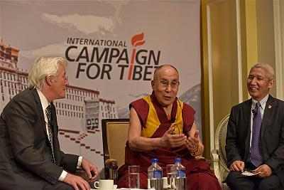 12.dalai-lama-tham-Capitpl Hill