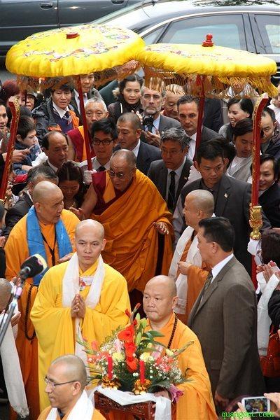 Duc_Dalailama_tham_Chua_Vien_Giac (7)