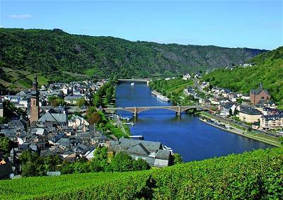 Moselle_valley_AMZU