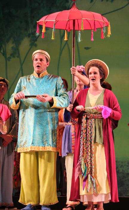 Rực rỡ sắc màu Việt Nam trên sân khấu Mỹ