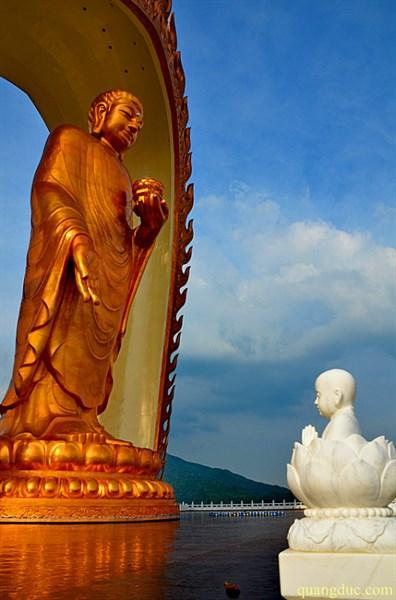 Tuong Di Da cao 48 met (1)