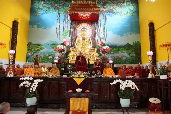 Duc Karmapa vieng tham Chua Khanh Anh (93)