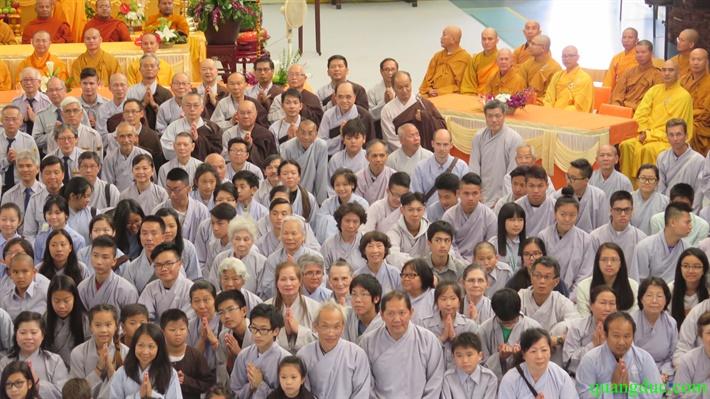 Le khai mac Khoa tu Au Chau ky 28 (240)