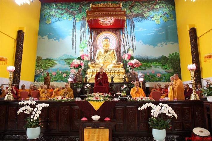 Duc Karmapa vieng tham Chua Khanh Anh (98)