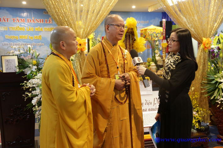 Le cung tien kim quan kim quan On Nhu Hue (300)