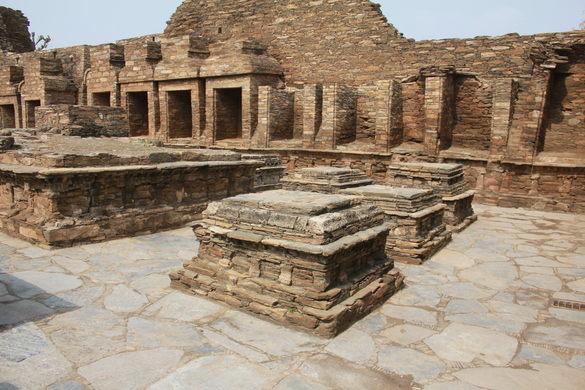 Di tích Phật giáo cổ đại Takht-i-Bahi 4