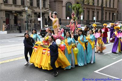 Vesak_2643_Melbourne city (142)