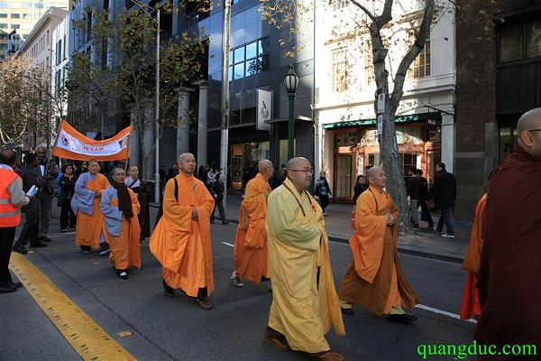Vesak 2015_Melbourne city (103)a