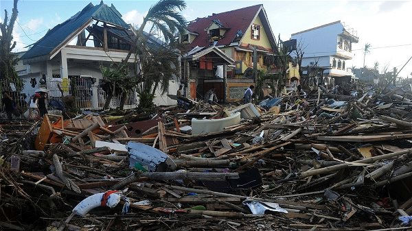 typhoon-haiyan-victims_2