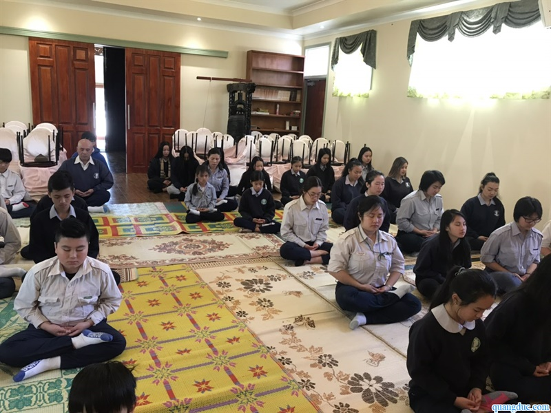 Lop Thien Gia Dinh Phat tu (27)