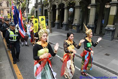 Vesak_2643_Melbourne city (126)