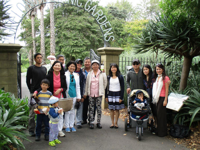 tien_huynhwith_family