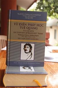 tu-dien-phat-hoc-tue-quang