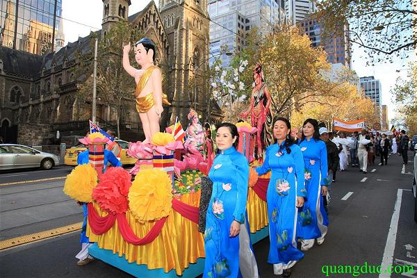 Vesak 2015_Melbourne city (118)a
