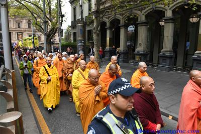 Vesak_2643_Melbourne city (118)
