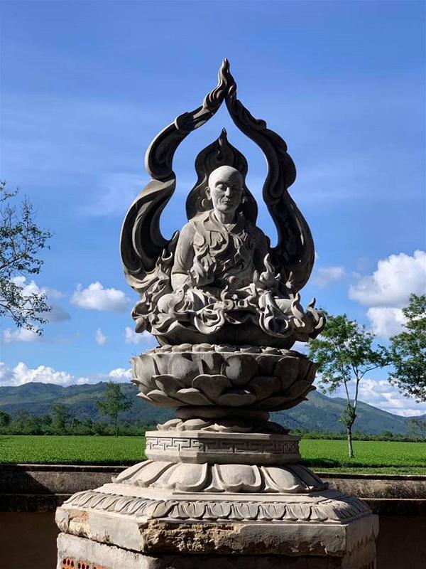 tuong niem Bo Tat Quang Duc