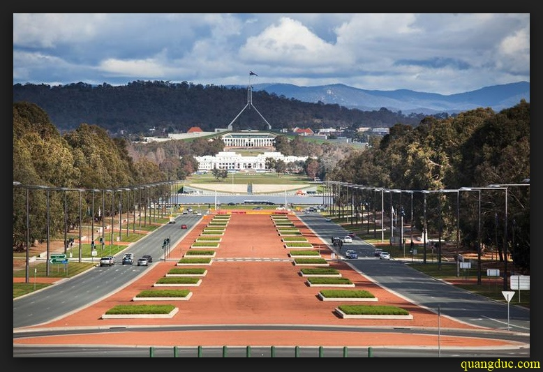 Canberra_1